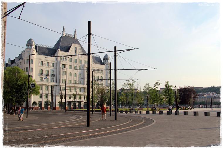 Будапешт. Прогулка по городу: люди, улицы мосты