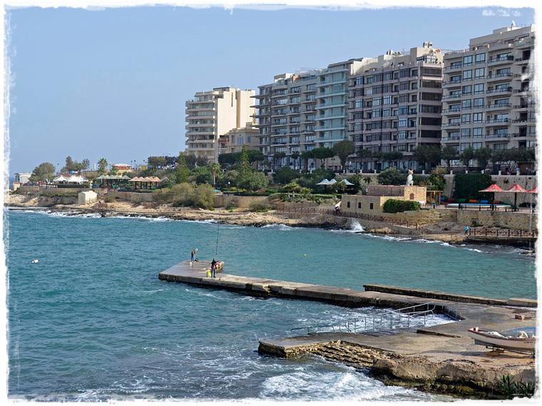 Городские пляжи Мальты