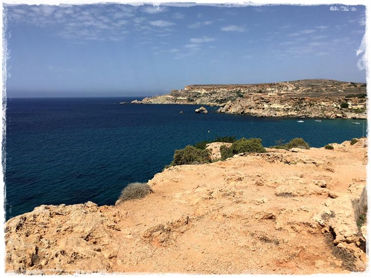 Мальта, пляж Golden bay - открытка или реальность?