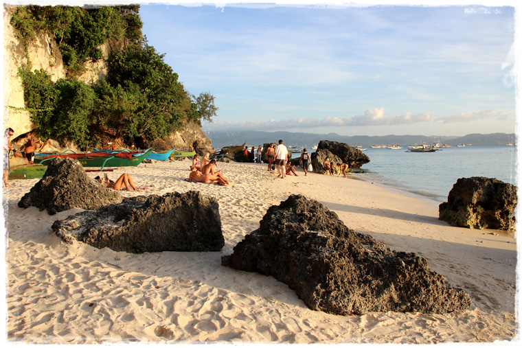 Боракай. Дивный, людный, предзакатный — Diniwid beach