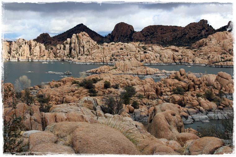 Аризона. Watson Lake Park - гранитные разломы по пути из Финикса в Седону