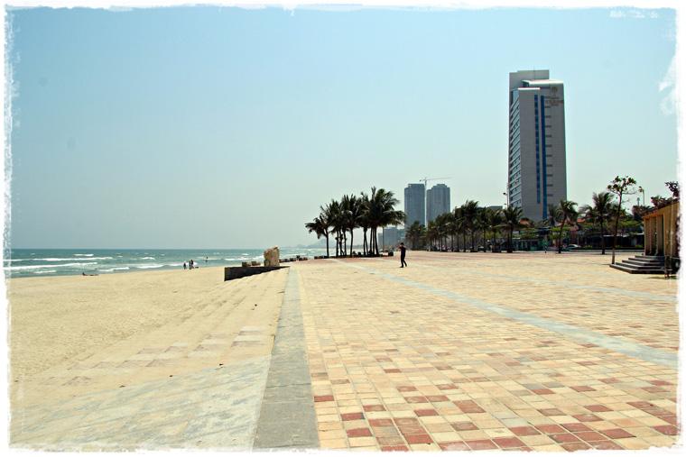 Пляжи Дананга - бескрайние и безлюдные