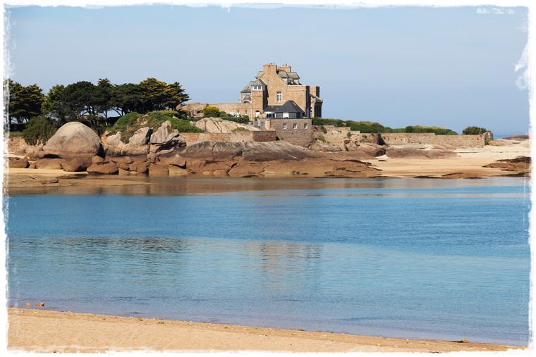 Неожиданная Франция и уникальный розовый берег Côte de granite rose
