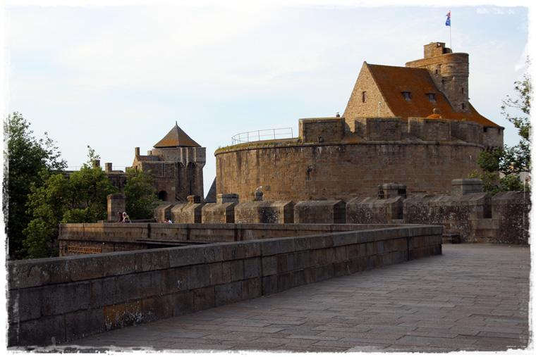 Бретань. Сен-Мало - вечерний, предзакатный и безлюдный