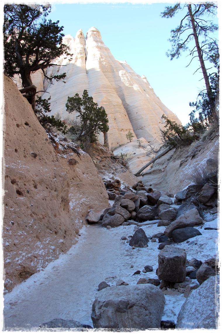 Нью-Мексико. Куда съездить из Санта-Фе: Заповедник Kasha-Katuwe Tent Rocks