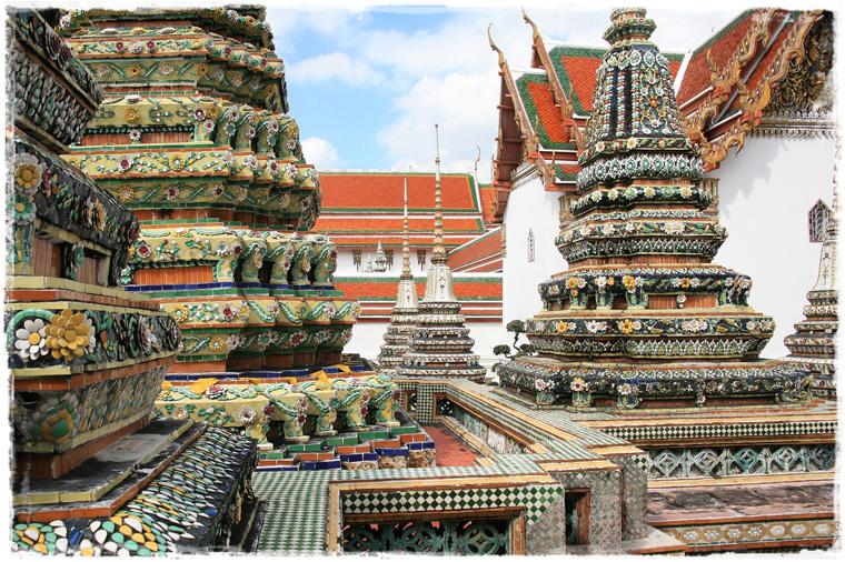 Бангкок. Королевский Дворец. Чего же здесь больше: золота или людей?