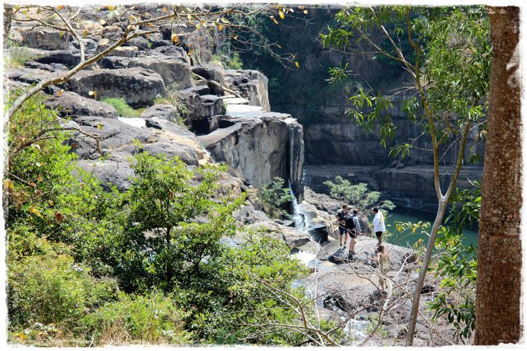 Далат. Pongour waterfall и купание там, где купаться запрещено